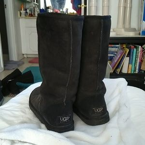 UGG Shoes - UGGS sz ladies 5/ same as youth 3.5, tall 5815.